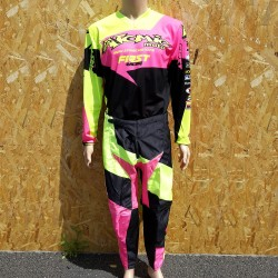 Tenue First Atomic 2017- Rose fluo